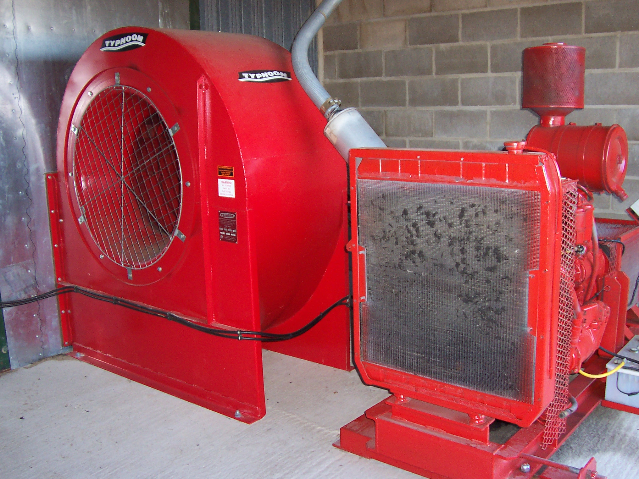 Engine driven fan unit