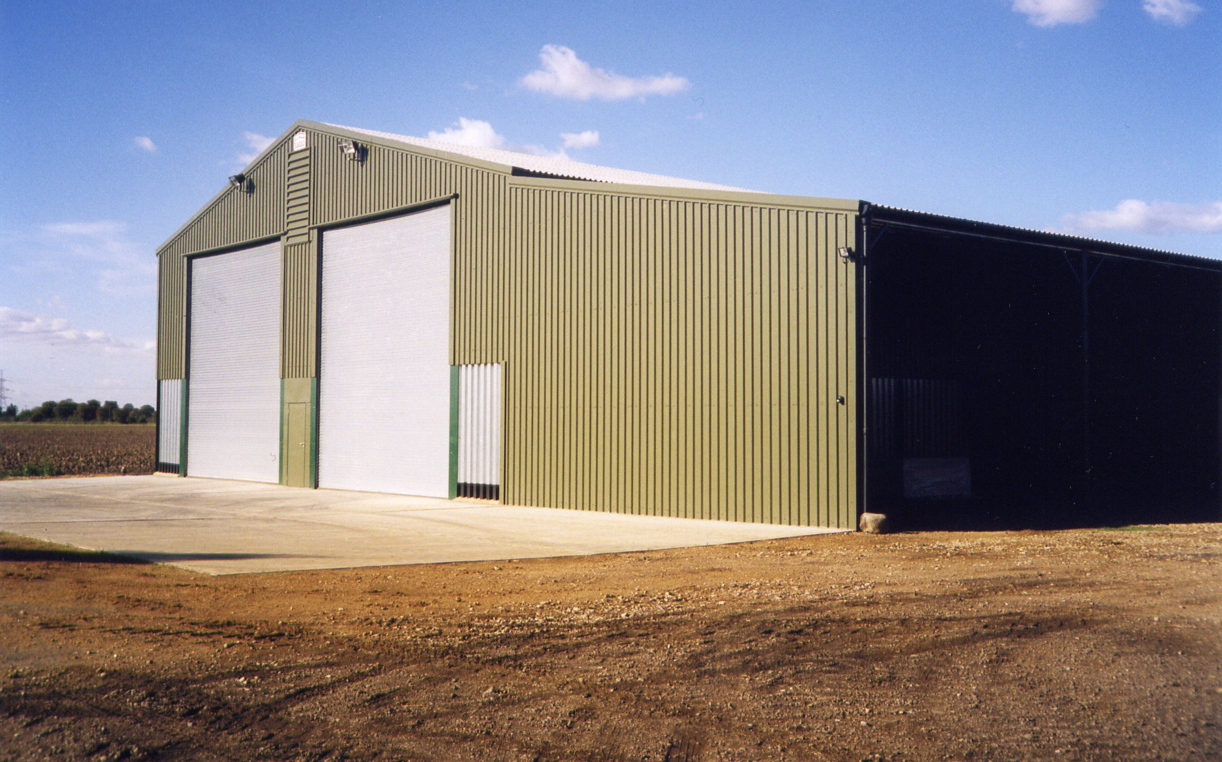 New on floor grain store for Norfolk farming family